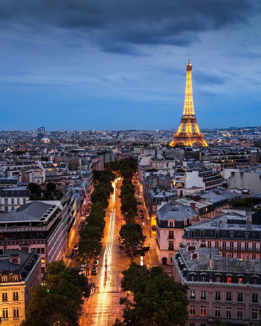travel articles on paris