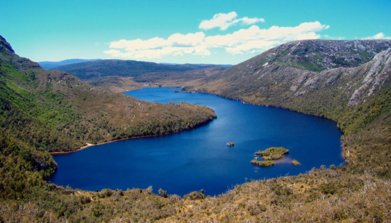 Dove-Lake_from_South-2008-1024x584